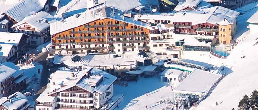Austria_Obergurgl_Hotel-Edelweiss-Gurgl-view-of-exterior-from-above.jpg